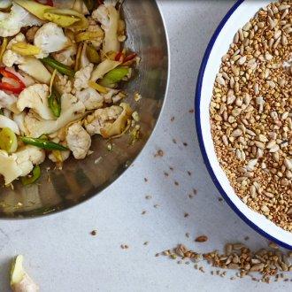 Spicy zesty cauliflower quick pickle